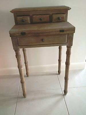 Gorgeous French Country Provincial Oak Childs Desk - Free freight