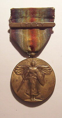 VINTAGE WW I Victory Medal with ITALY BAR