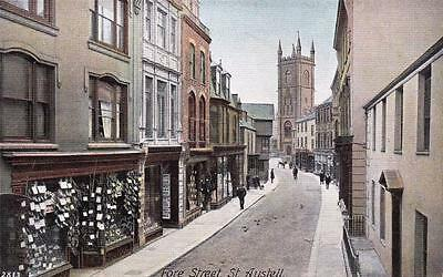 Vintage postcard - St. AUSTELL, Cornwall - FORE STREET - Excellent