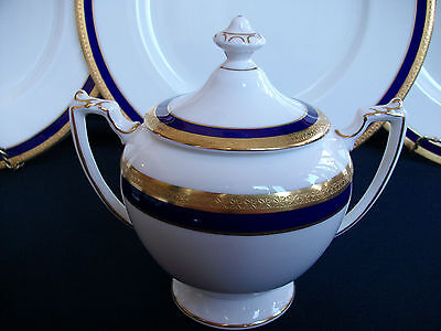 COALPORT ELITE ROYALE (c.1972+) SUGAR BOWL & LID- EXCELLENT!! ELEGANT!! MINT!!