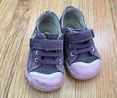 Keen Baby Girls Toddler 5 Purple Suede Shoes Velcro Penguin Play Condition
