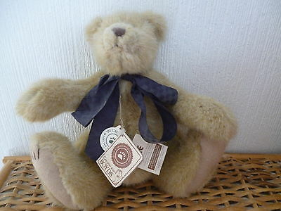 """Boyds Bear Artisan Series """"sniffles T. Woodsley"""" 11"""" Fully Jointed W/tag"""