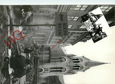 Postcard: Latvia, Barricades In The Streets Of Old Riga
