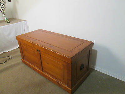 57297 Cedar Blanket Chest Storage Chest  Trunk