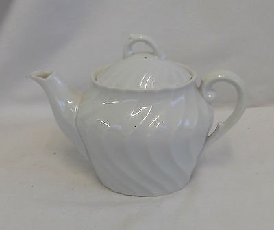 STUNNING Vintage Collectable TRADITIONAL CERAMIC TEAPOT 12cm