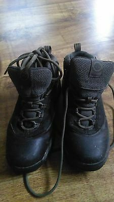 Walking boots brown size 7 .5