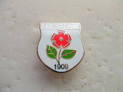 United Badge - 1909 Cup Final - Manchester ( White )
