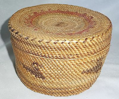 Native American Small Covered Basket by the Makah Tribe, Oregon (Ver)