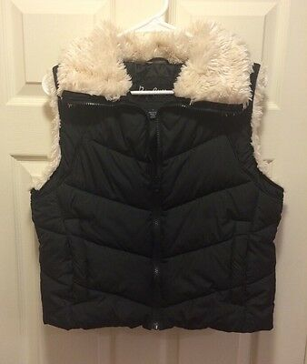 Big Chill Ladies Black Puffer Vest with Faux Fur Collar-- Size Large