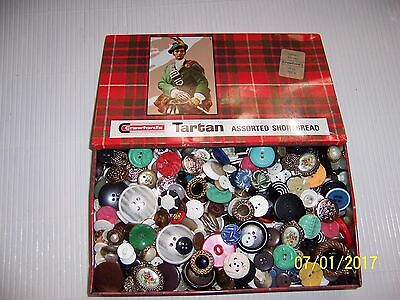 VINTAGE BUTTONS IN OLD TARTAN TIN - OVER 600g GREAT FOR CRAFT