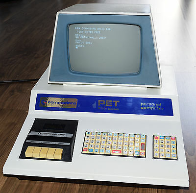 Commodore BLUE PET-2001-8 + Basic 2 cleaned & tested / original condition!
