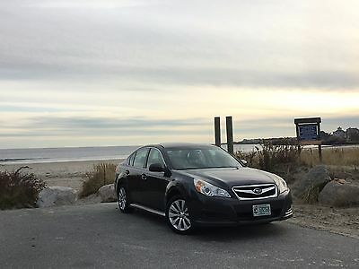 """2010 Subaru Legacy 2.5i Limited 2010 Subaru Legacy Limited 2.5i AWD Leather Moonroof 1 Family 17"""" Alloys 31MPG"""