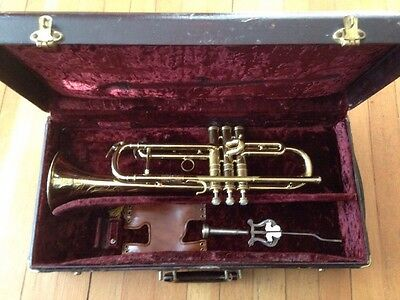 1948 Conn 22b Elkhart Trumpet w/ Original Case , Mouthpiece , Stand Included