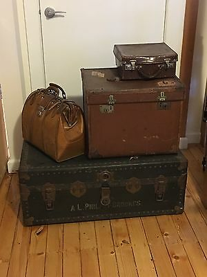 Vintage Luggage Suitcase Set For Display - Leather