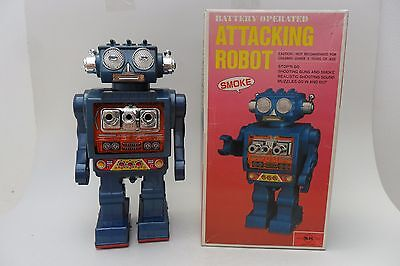 Rare Attacking Robot Battery Operated S.H. Horikawa Made in Japan 1960s Box