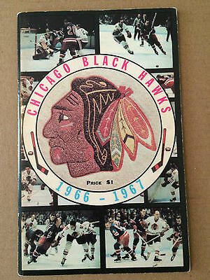 1966-67 Chicago Black Hawks autographed Yearbook  (Hull, Mikita- 13 signatures)
