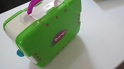 Mattel Barney And Friends Carrying Case Barn House Play Set.  GUC.
