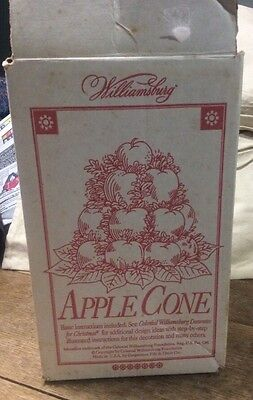Williamsburg Topiary Apple Cone Colonial fruit tree w/box & instructions
