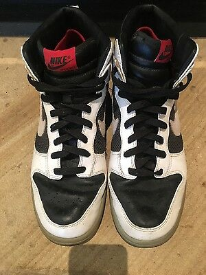 Mens Nike Black and White Swoosh Originals, Size 10