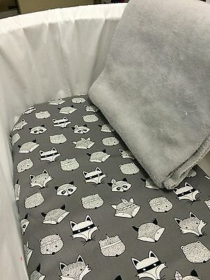 Bassinet Fitted sheet & Coral Fleece Blanket 2 Piece Set Grey With Foxes