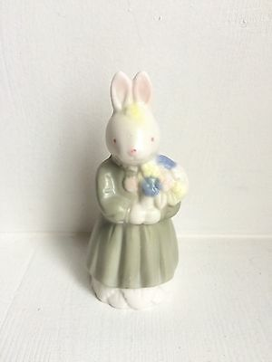 Vintage Adorable HAND-PAINTED CERAMIC LADY BUNNY RABBIT FIGURINE in green dress