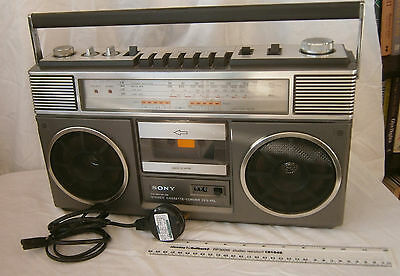 VINTAGE SONY BOOMBOX CFS-65i STEREO RADIO CASSETTE