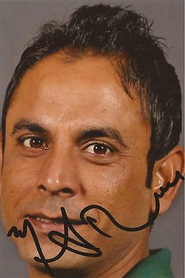 PAKISTAN: ABDUR REHMAN SIGNED 6x4 PORTRAIT PHOTO+COA