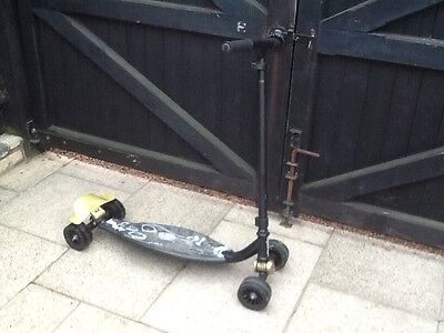 oxelo by decathalon skateboard  4 wheel stunt scooter street board / trainer