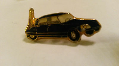 DS CITROEN avec Tour Eiffel with Eiffel tower car PIN PIN'S