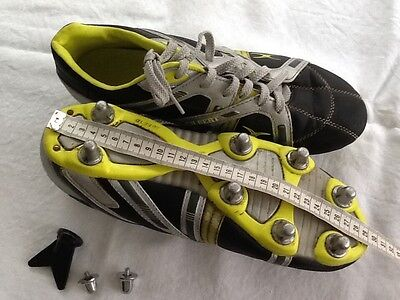rugby shoes uk size 9 Gilbert used with spare stud.