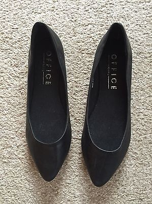 office shoes size 5 flat black