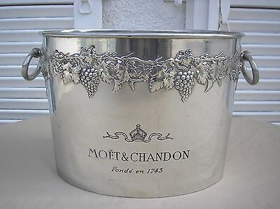 Old great Moet & Chandon champagne bucket tin. Collector