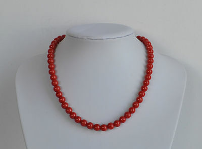 Classic Delicate Vintage Faux Coral Red Lucite Plastic Beaded Necklace 17'' 9 mm