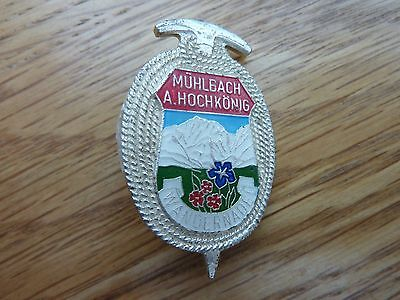 VINTAGE METAL AND ENAMEL AUSTRIAN MOUNTAINEERING BADGE MUHLBACH A HOCHKONIG 40mm