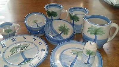 Hadley Pottery: Lot Of 17 Pieces Palm Tree Pattern