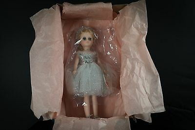 "Mandame Alexander 17"" Elise (Item#1640). Doll is in Excellent Condition."