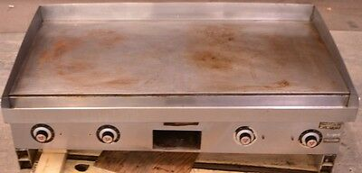 Vulcan Hart Model HEG48D-1 Flat Top Griddle Grill Counter Top 3-Phase Electric