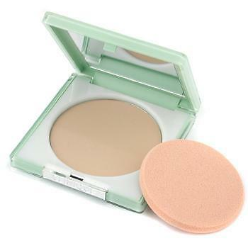 Clinique Stay-Matte Sheer Pressed Powder Oil-Free Foundation