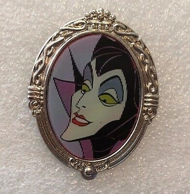 Disney Pin - Lenticular Diva Pin - Maleficent and Dragon (Image changes)