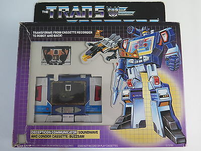 G1 1984 Transformer Decepticon Soundwave with Buzzsaw Hasbro 100% complete