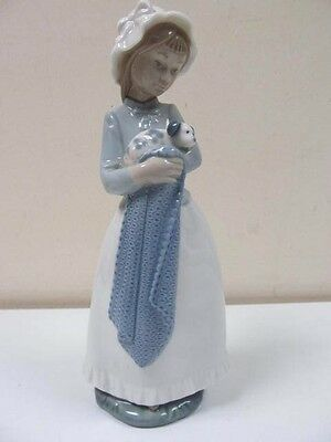 Lladro Nao Beautiful  Porcelain Figurine Of Girl With Puppy