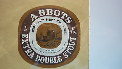 OLD AUSTRALIAN BEER LABEL, CUB BREWERY, ABBOTSFORD EXTRA DOUBLE STOUT 13 Fl Oz