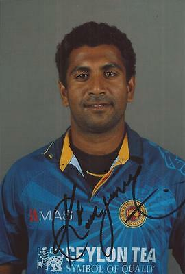 SRI LANKA * DHAMMIKA PRASAD SIGNED 6x4 PORTRAIT PHOTO+COA