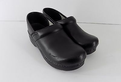 Dansko Black Smooth Leather Professional Stapled Clogs Womens Size 38 7.5 8 M
