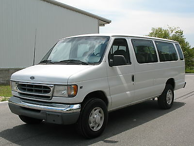 2001 Ford E-Series Van XLT 15 PASSENGER FORD E-350,  Low miles w/ COLD a/C