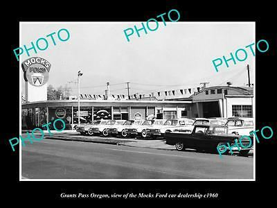 OLD LARGE HISTORIC PHOTO OF GRANTS PASS OREGON, THE FORD CAR DEALERSHIP c1960