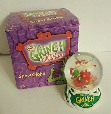 Dr. Seuss How the Grinch Stole Christmas Snow Globe Universal 2000 Brand New Box