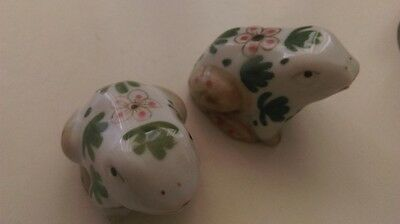 porcelain slat & pepper set frogs