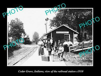 OLD LARGE HISTORIC PHOTO OF CEDAR GROVE INDIANA, THE RAILROAD STATION c1910