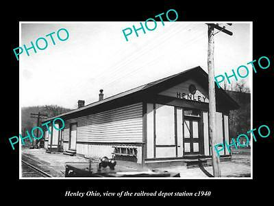OLD LARGE HISTORIC PHOTO OF HENLEY OHIO, THE RAILROAD DEPOT STATION c1940